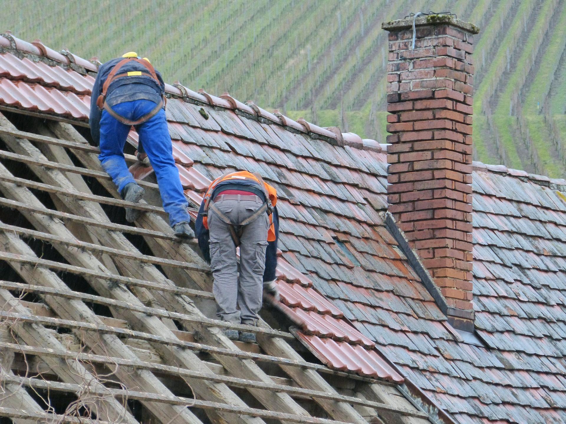 Réfection de toiture : quelle autorisation ? - A TRAVERS TOIT