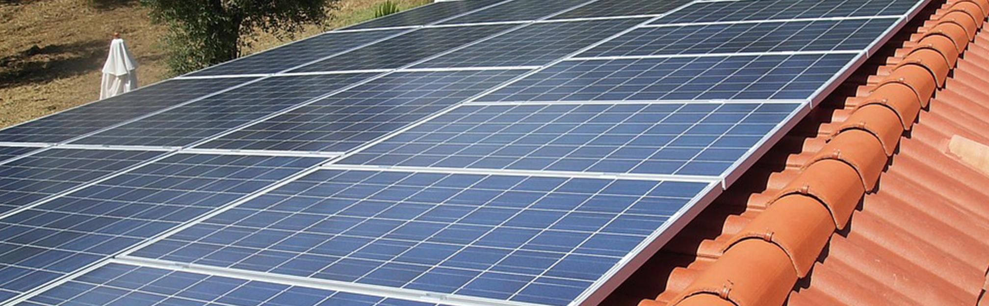 panneaux solaires photovoltaïques rennes a travers toit